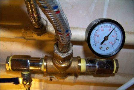 измерение давления манометров